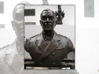 bronze-008